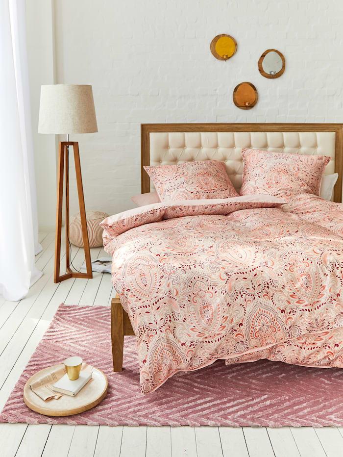 Teppich, rosé