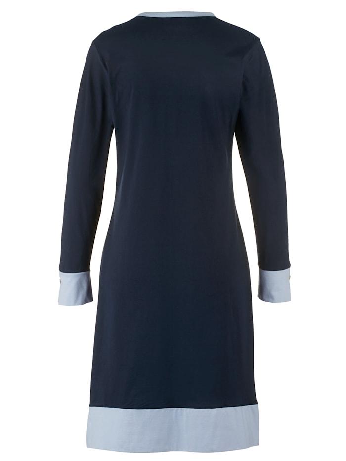 Chemise de nuit avec fermeture boutonnée aux poignets