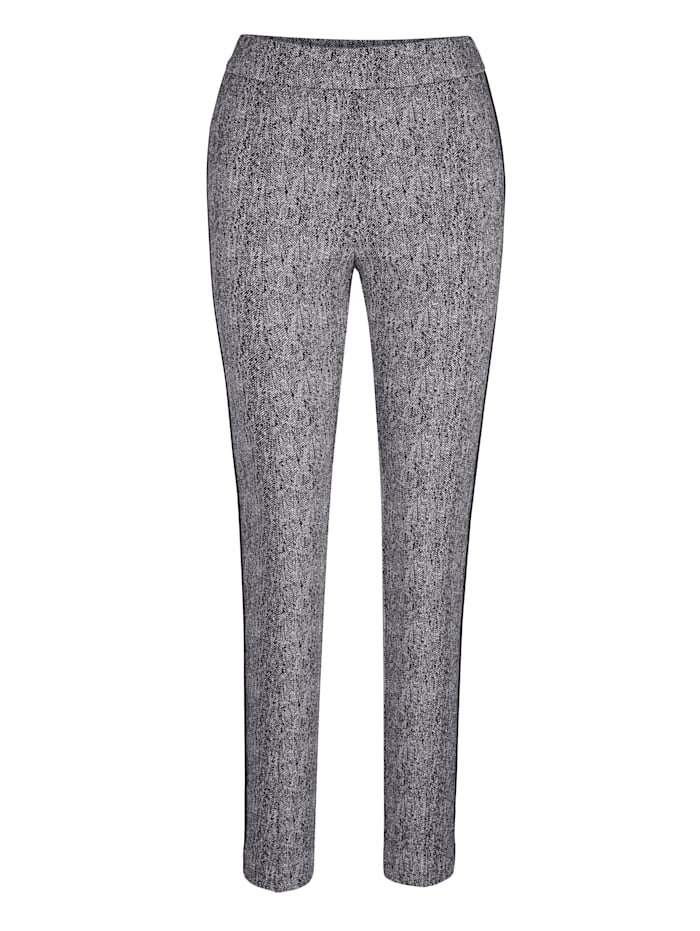 Pull-on trousers with flattering front piping