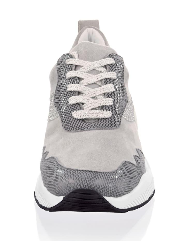 Sneaker in leichter Chunkyform