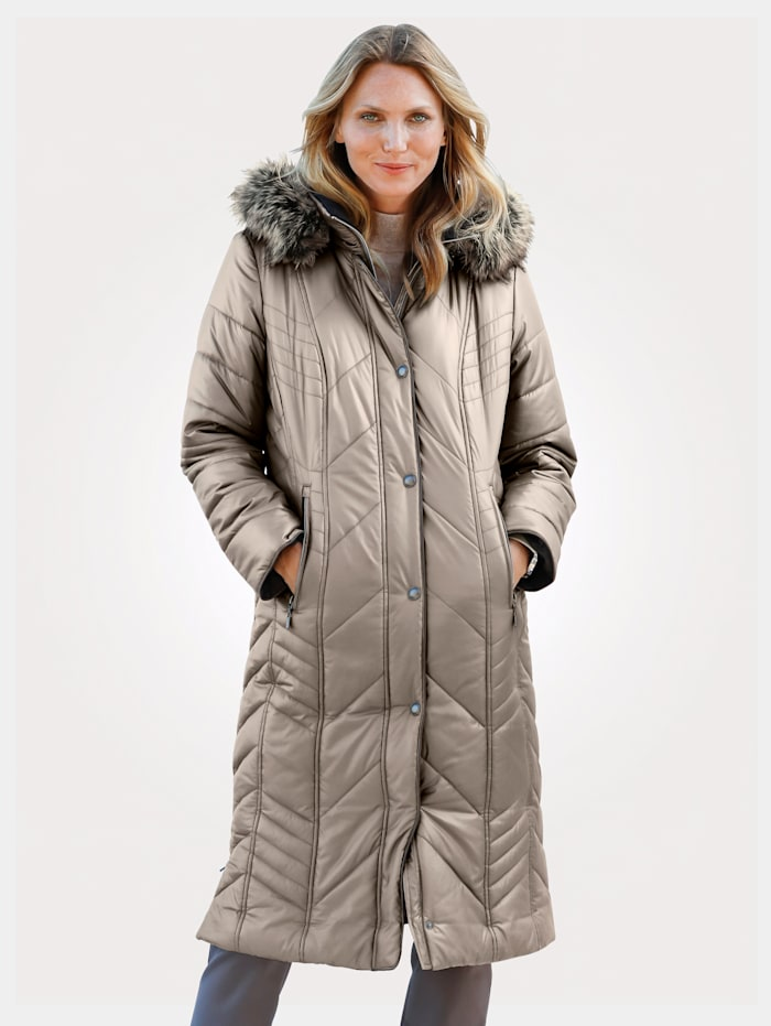 MONA Quilted coat in a flattering longline cut, Beige