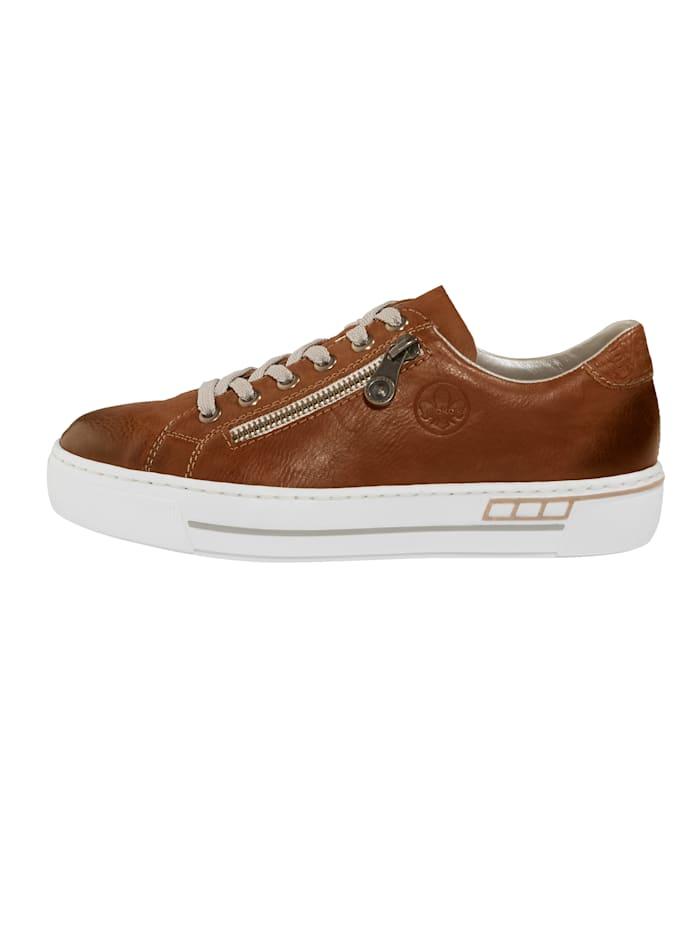 Šněrovací obuv v použitém vzhledu