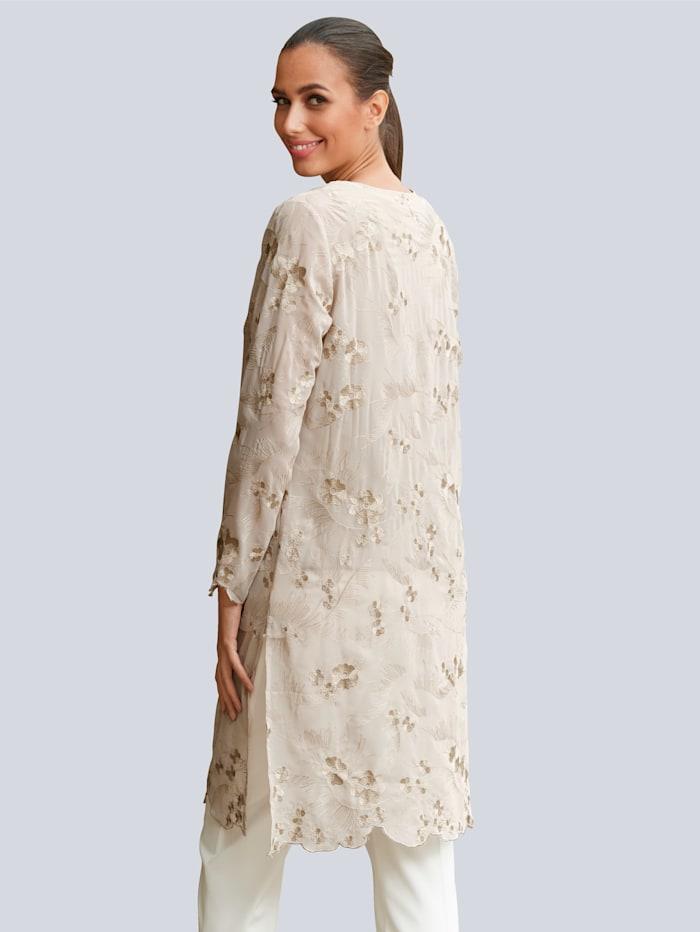 Manteau en tissu léger rebrodé de fleurs