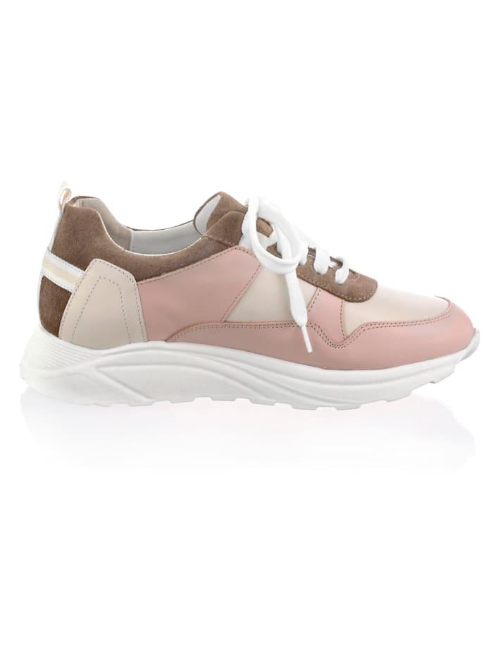 Sneaker in farbharmonischer Patchoptik