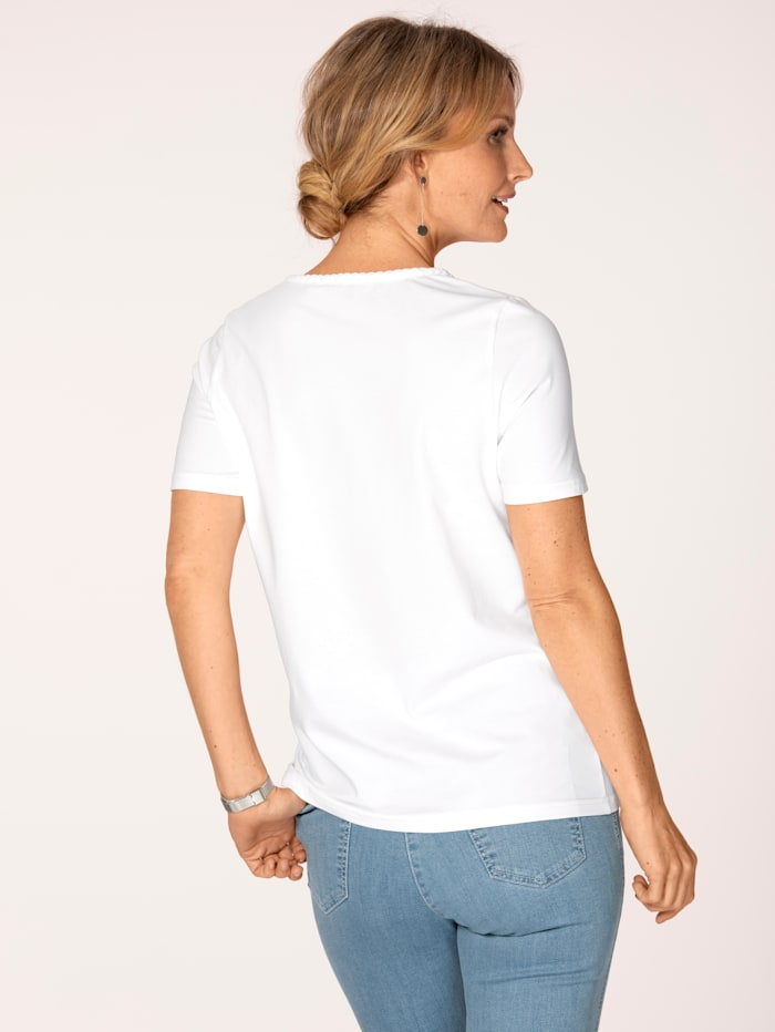 Top made from Pima cotton