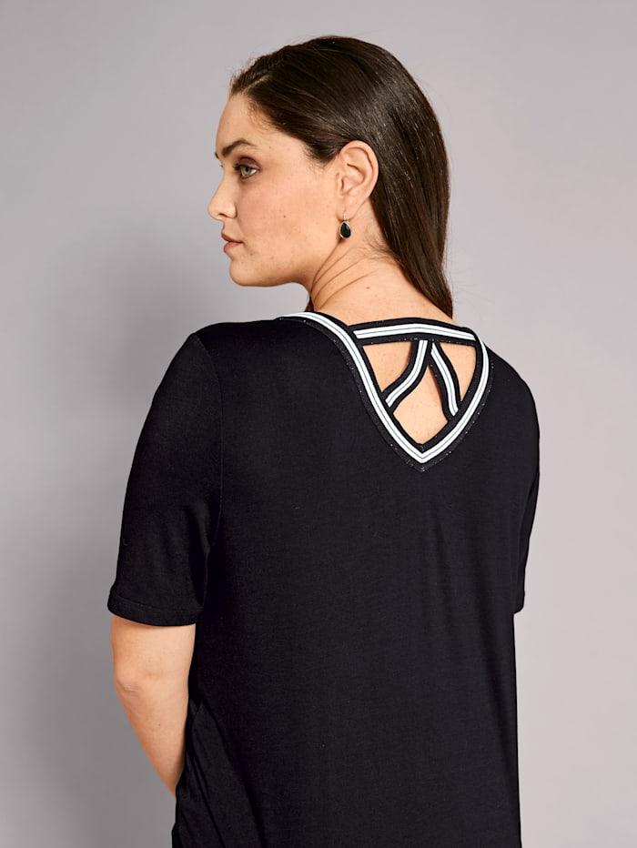 Shirt met sportieve sierband aan de hals